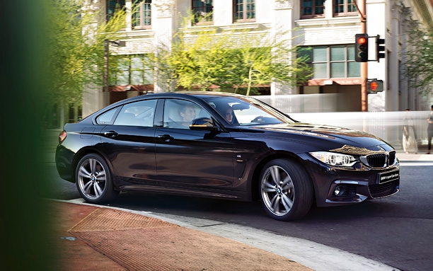 BMW 4ER Grand Coupe: справа сбоку