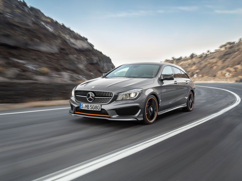 Mercedes CLA-klass Shooting Braike: спереди слева
