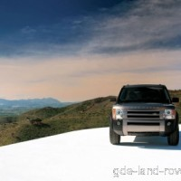 : Land Rover Discovery спереди