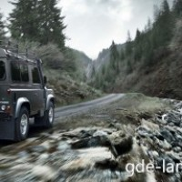 : Land Rover Defender сзади
