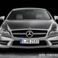 : Mercedes CLS Shooting Brake вид спереди