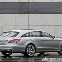 : Mercedes CLS Shooting Brake сзади-сбоку