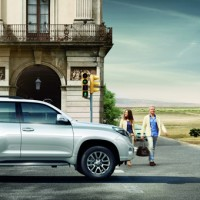 Toyota Land Cruiser Prado сбоку: