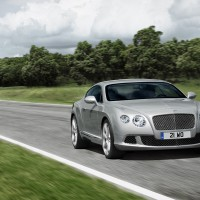 Bentley Continental GT спереди: