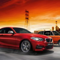 BMW 2ER Coupe: сбоку справа