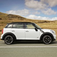 MINI Cooper SD ALL4 countryman: справа сбоку