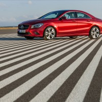 Mercedes CLA-klass sedan: слева сбоку