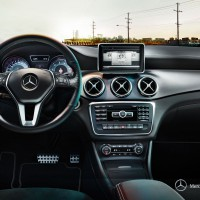 Mercedes CLA-klass sedan: место водителя