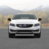 VOLVO V60 Cross Country: спереди
