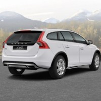VOLVO V60 Cross Country: справа сзади